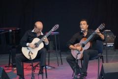 nice-guitar-duet_contes-paioun-ven-2012_1