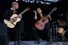 nice-guitar-duet_contes-paioun-ven-2012_9
